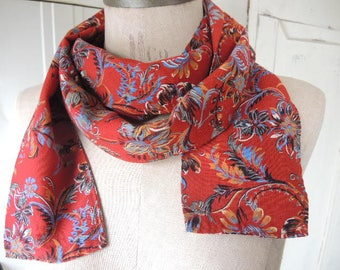 Vintage 1970s polyester scarf rusty red floral florals  4 x 70 inches