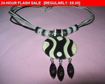 vintage enamel pendant necklace, vintage necklace