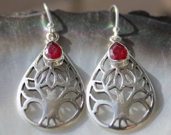 Earrings in silver, tree of life and ruby