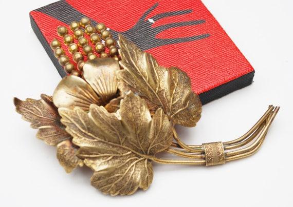 Large Gold Brass  Leaf Brooch -  Brassy gold metal - Floral leaves - golden repousse  Pin