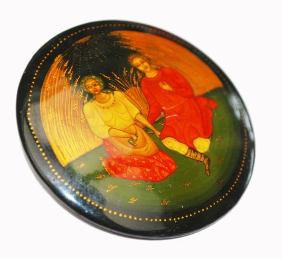 Hand Painted Brooch - Russian black Lacquer -women friendship - round pin