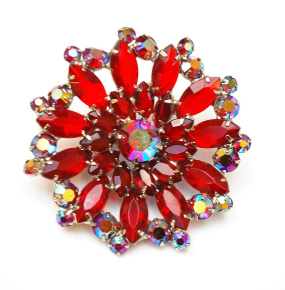 Red Rhinestone Flower Brooch  - red Crystal  Glass  Auroral borealis -Silver -  Floral Mid century  Pin