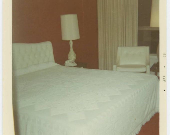 Vintage Snapshot Photo: Hotel Bedroom, 1974 (77591)