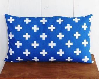 housse de coussin 50 x 30 cm tissus motifs plumes et pois. Black Bedroom Furniture Sets. Home Design Ideas