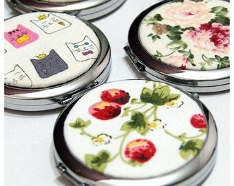 SALE 20% Compact Mirror, Cosmetic Mirror with Pouch - Silver