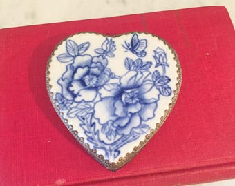 Heart Box, Blue White Shard, Vintage Trinket Box, Chinoiserie Box, Valentine Gift for Her, Vintage Chinoiserie, Blue White Porcelain