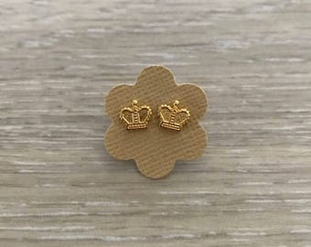 Gold Crown Stud Earrings, Gold Earring, Dainty Earring, Gold Studs