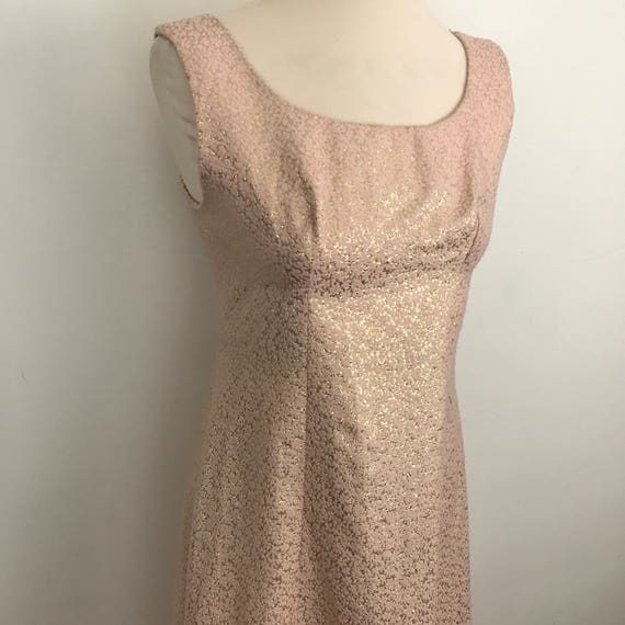 Vintage dress pale pimm gold textured brocade fitted UK 10 evening long vintage bridesmaid wedding 1960s Jackie O 1950s Mod blush metallic