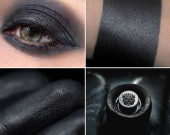 Eyeshadow: Adviser to the Haze - Undead. Dark gray satin eyeshadow by SIGIL inspired.