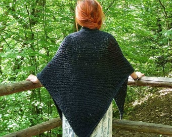 dark grey forest witch shawl, capelet, by szoszonka