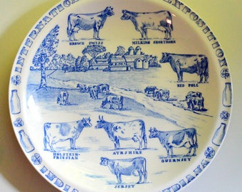 Blue and White International Dairy Expo Plate Cows Farmhouse Indiana Vernon Kilns (B)