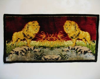 Vintage 1940s Kitsch Two Lions Rayon Cotton Velvet Rug Wall Hanging 19x37