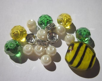 18 round glass beads with Rhinestones (BA7) washers