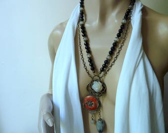 Ethnic chic necklace, baroque Chinese mind