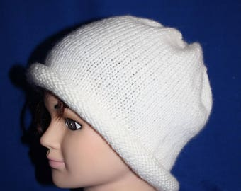 simple white hat in very fine jersey