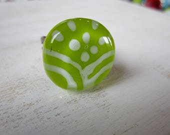 Glass fusing green patterned white, Adjustable ring