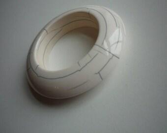 Vintage White Lucite Raku Style MOMA Museum of Modern Art Knife Edge Bangle Bracelet