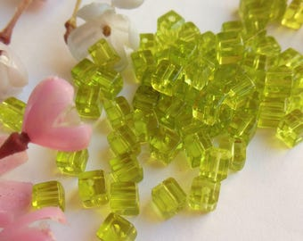 set of 10 green glass cube beads