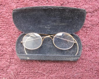 Stoco 1/10 12k gold wire-rimmed eye glasses; Edwardian