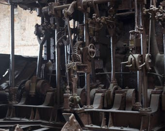 Gears, Grinders, Pulleys, Industrial Ship Mechanics, Antique Ship, Historical Navy, Nautical History, Mechanical Parts