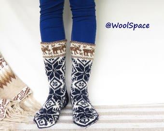 Mens wool socks, Handknit scandinavian socks, Snowflake print, Norvegian knit, Winter wedding Gift for best man No271