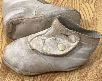 Victorian Vintage White Leather Button up Baby Children Boots Shoes Doll