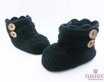 Crochet baby shoes Crochet baby booties 0-3 months Baby boy boots Crochet baby boots Baby boy gift  Black baby boots