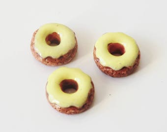 2 x cabochons resin 10mm DONUT vanilla frosting