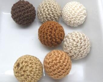 7 beads 20mm Brown crochet
