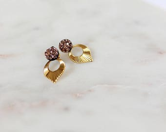 Ear gold and stone drop earrings