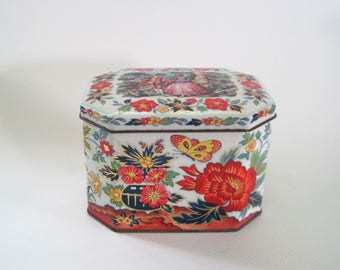 Vintage Tea Tin Daher, Courting Couple with Red and Blue Flowers, Gold Accent, Hinged Tin Box