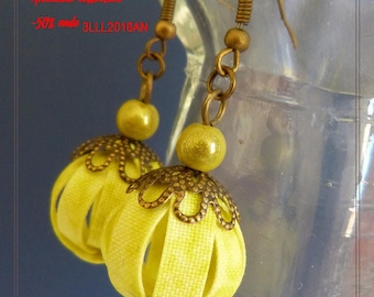 Nice pair of sparkling yellow textile Stud Earrings