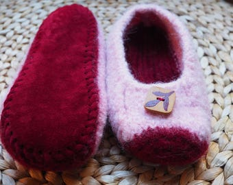 Child's Pink Felted Slippers with non-slip soles - size 4-5 Youth