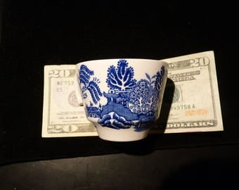 Vintage WOODS ENGLAND Tea Cup -- Excellent and Undamaged Condition --