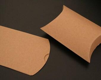 "6 ""humbug"" cardboard gift bags. (ref:3407)"
