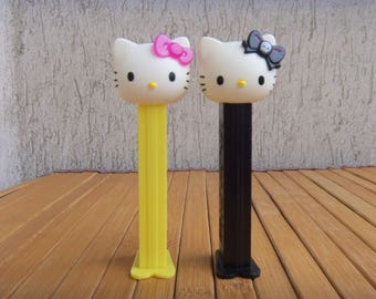 Pair PEZ Dispenser HELLO KITTY, Collectibles Candy Dispensers