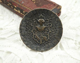Vintage Button, Large, Heraldic, Suit of Armor