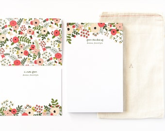 Personalized Stationery Set | Illustrated Floral Stationery Gift Set with Custom Notepad, Flat Cards, and Notecards : Blooming Wreath