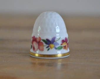 Vintage thimble - China - Sutherland - Beehive style - Floral - Flowers