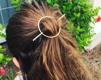 Hammered Circle Brass Hairstick, QUICK SHIP, Hairpin, Hair Fork, Simple and Perfect for Messy Beach Buns, Beach Boho, Mermaid Hair, Ocean