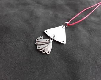 Pendentif triangulaire pièces d'horlogerie