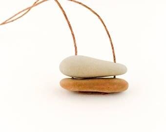 """Stone Necklace. """"Swinging"""""""