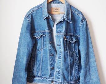 Vintage Levi's jean jacket-90's