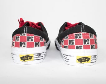 vans mtv era pro reissue shoes - new without box - uk 8 - mens size 9