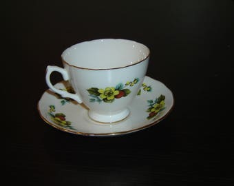 Royal Vale 8222 yellow flower red berries cup and saucer near mint condition