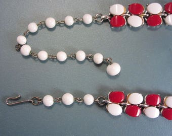 Vintage 50s White and Red Thermoset Necklace