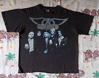 Vintage 90's Aerosmith Nine Lives Tour T shirt, size Large 1997 concert tee Giant