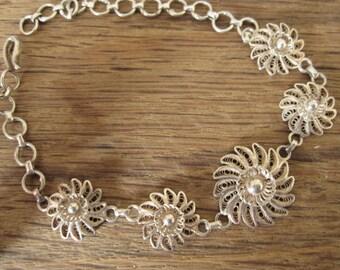 "Sterling Silver Filigree Flower Link And Chain Bracelet 6-8.5"" (2077)"