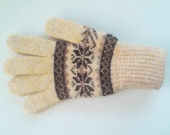 Woolen knit gloves Natural sheep wool gloves for women Soft Cozy gloves Gift for Mom and Granny Warm and fluffy gloves Winter accessories