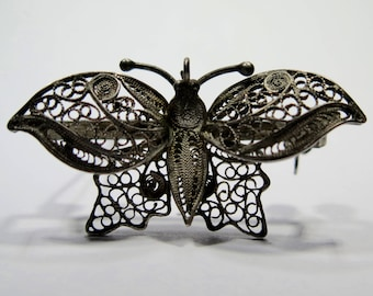 Vintage Retro 800 Spun Silver Filigree Butterfly Brooch